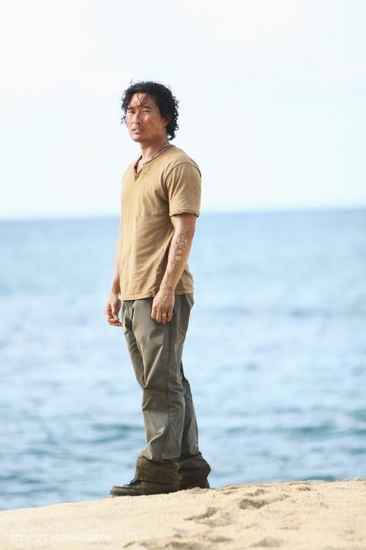 Yunjin Kim è Jin nell'episodio This Place Is Death di Lost