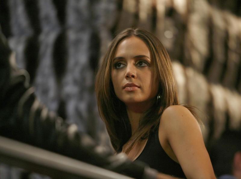 Eliza Dushku nell'episodio Stage Fright di Dollhouse