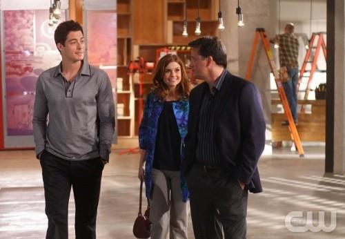 Steven Culp, Brian Hallisay e Joanna Garcia in una scena dell'episodio All About Betrayal di Privileged
