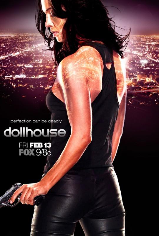 Un manifesto promozionale della serie tv Dollhouse