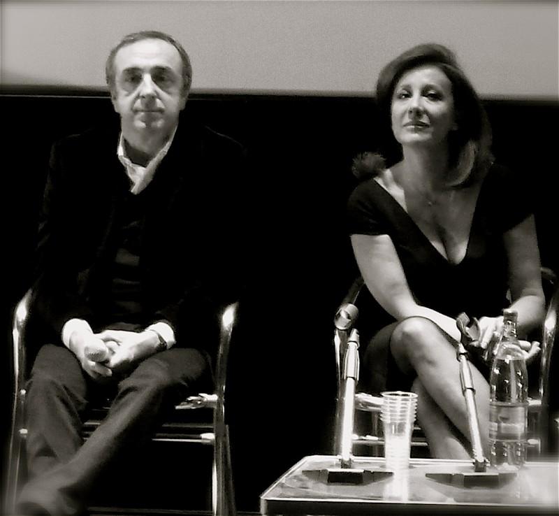 2009: Silvio Orlando e Carla Signoris durante la conferenza stampa del film Ex, di Fausto Brizzi (foto di Marilù Paguni)