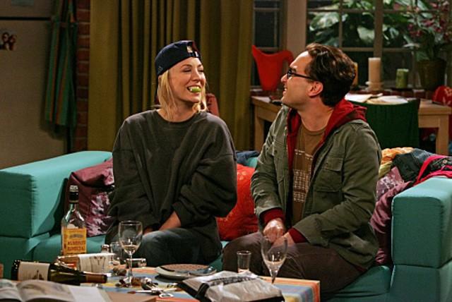 Kaley Cuoco e Johnny Galecki diventano più intimi nell'episodio The Maternal Capacitance di The Big Bang Theory