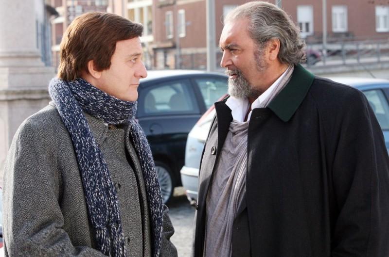 Claudio Bisio e Diego Abatantuono in una scena dell'episodio 'Povero Ghigo' del film I mostri oggi