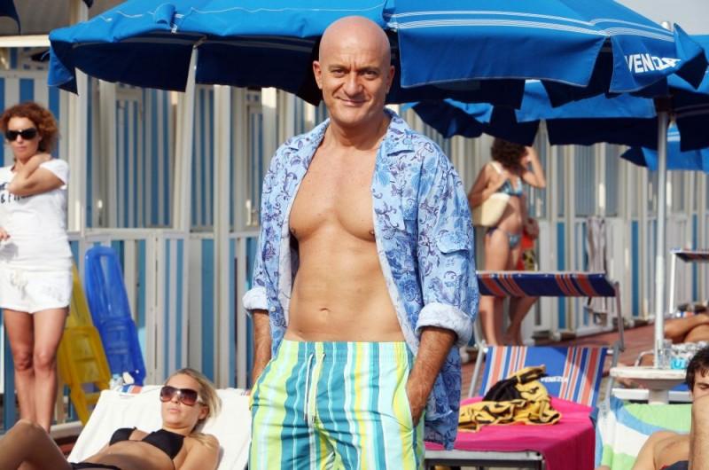 Claudio Bisio in una scena dell'episodio 'La fine del mondo' del film I mostri oggi