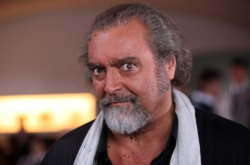 Diego Abatantuono è tra i protagonisti dell'episodio 'Ferro 6' del film I mostri oggi