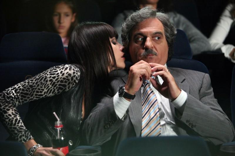 Giorgio Panariello e Chiara Gensini in un'immagine dell'episodio 'Fanciulle in fiore' del film I mostri oggi