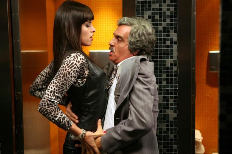 Giorgio Panariello e Chiara Gensini in una scena dell'episodio 'Fanciulle in fiore' del film I mostri oggi