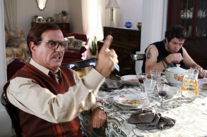 Giorgio Panariello e Moris Verdiani in una scena dell'episodio 'Padri e figli' del film I mostri oggi