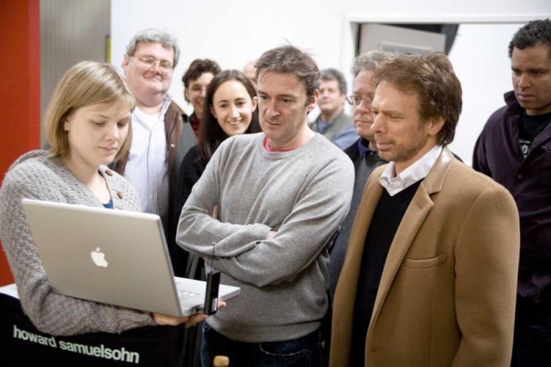 Il regista P.J. Hogan e il produttore Jerry Bruckheimer sul set del film I Love Shopping