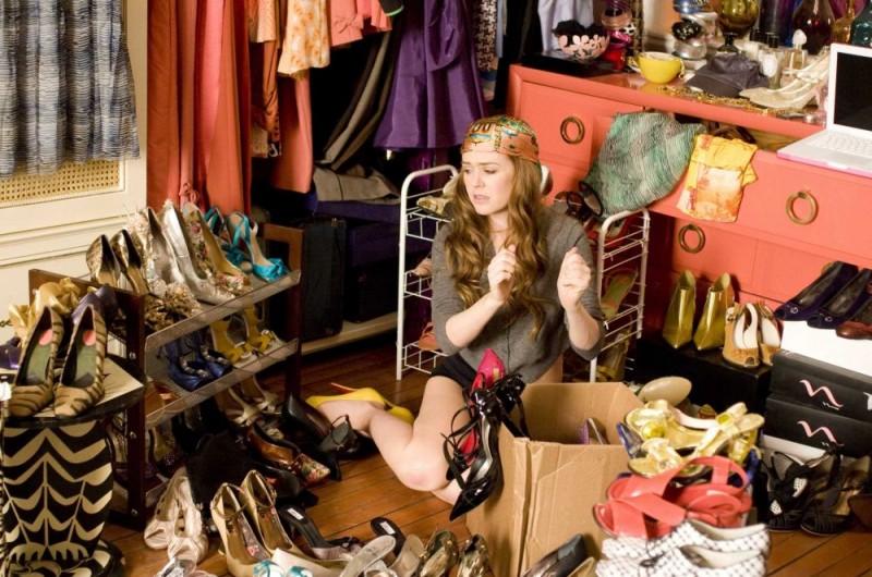Isla Fisher in una sequenza del film I Love Shopping