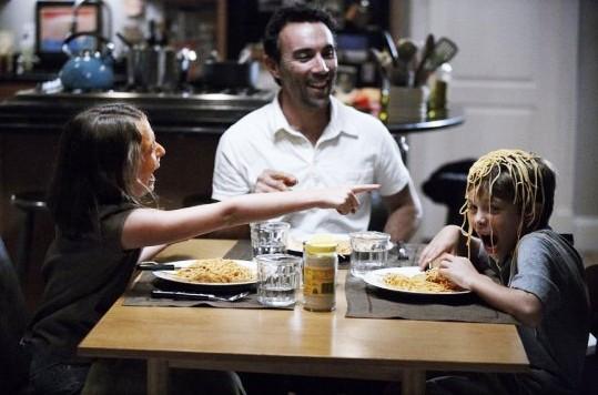 Quattro padri single: Francesco Quinn con i due piccoli protagonisti del film