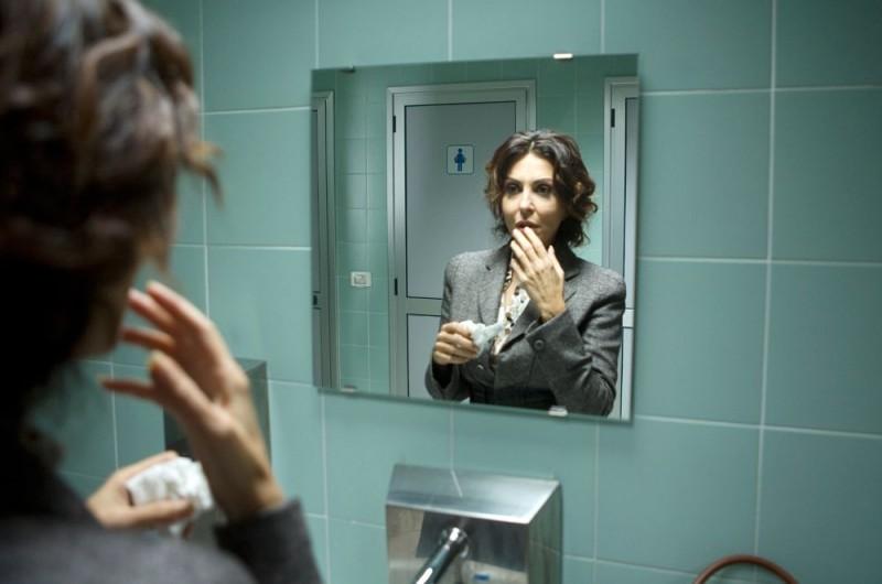 Sabrina Ferilli è la protagonista dell'episodio 'Cuore di mamma' della commedia I mostri oggi