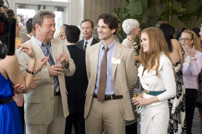 Tim Ware, Hugh Dancy e Isla Fisher in una scena del film I Love Shopping