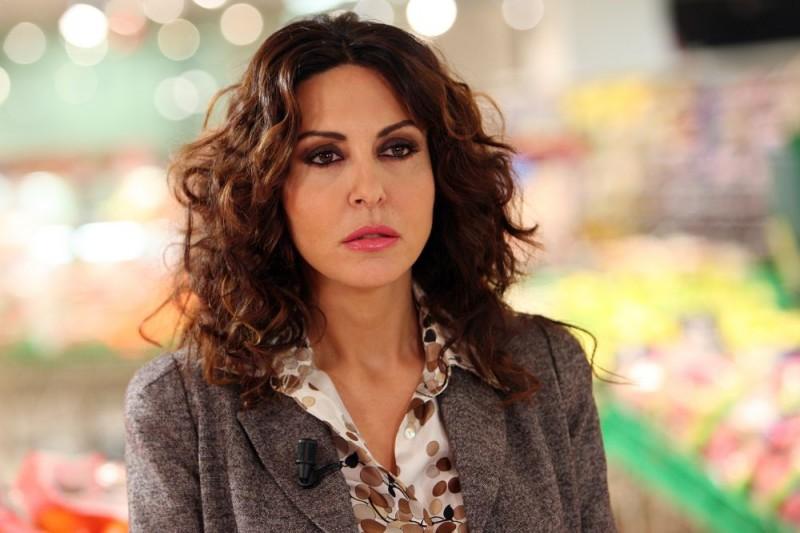 Un primo piano di Sabrina Ferilli nell'episodio 'Cuore di mamma' del film I mostri oggi