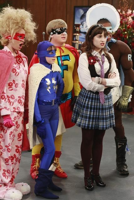 Demi Lovato, Allisyn Ashley Arm e Doug Brochu in una scena dell'episodio Sonny at the Falls di Sonny with a Chance