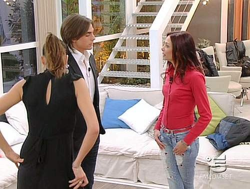 Grande Fratello 9, sesta puntata: il confronto tra Marco, Lea e Vanessa