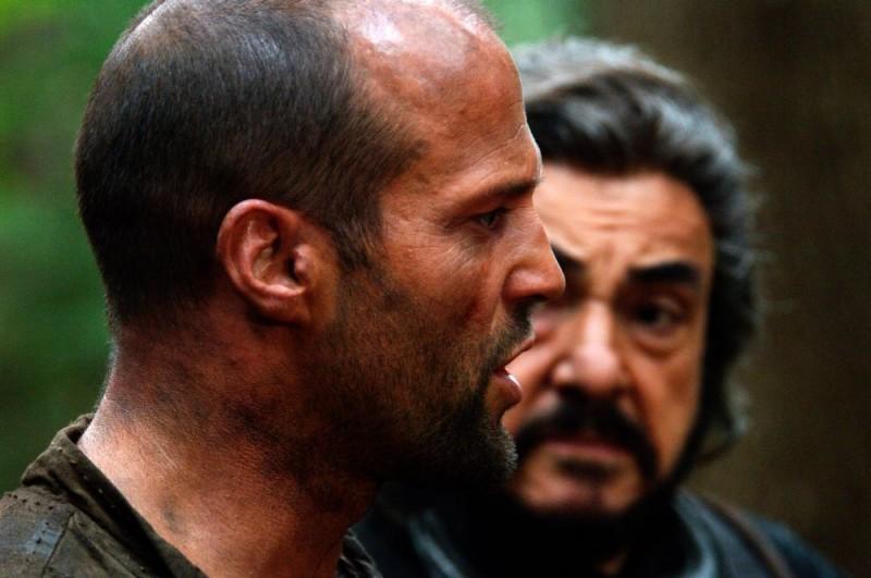 Jason Statham in una scena del film In the Name of the King