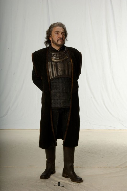 John Rhys-Davies in una foto promozionale del film In the Name of the King