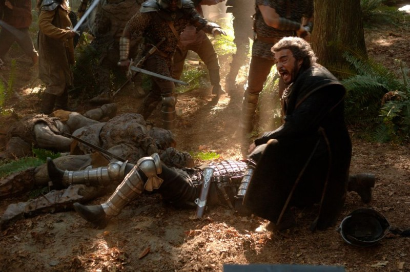 John Rhys-Davies in una scena del film In the Name of the King