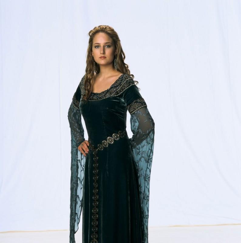 Leelee Sobieski in un'immagine promozionale del film In the Name of the King