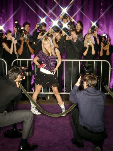 Miley Cyrus in una scena dell'episodio You Gotta Lose This Job di Hannah Montana