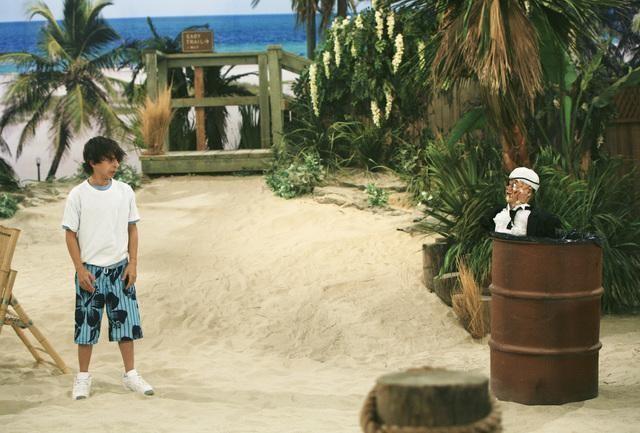 Moises Arias in una scena dell'episodio You Gotta Lose This Job di Hannah Montana
