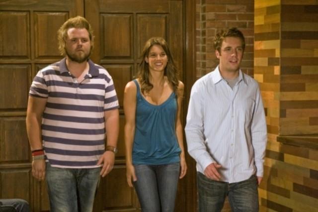 Tyler Labine, Missy Peregrym e Bret Harrison in una scena dell'episodio The Sweet Science di Reaper