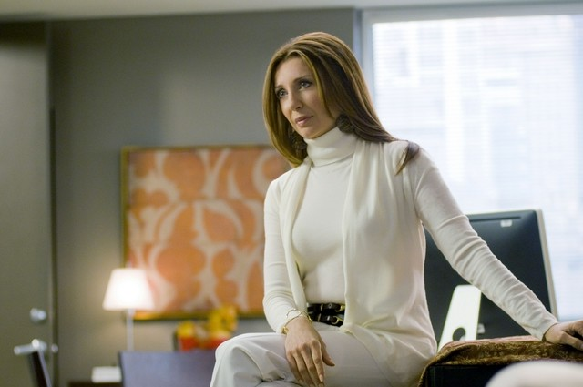 Donna Murphy è Denise Raynor nell'episodio Way Beyond the Call di Trust Me