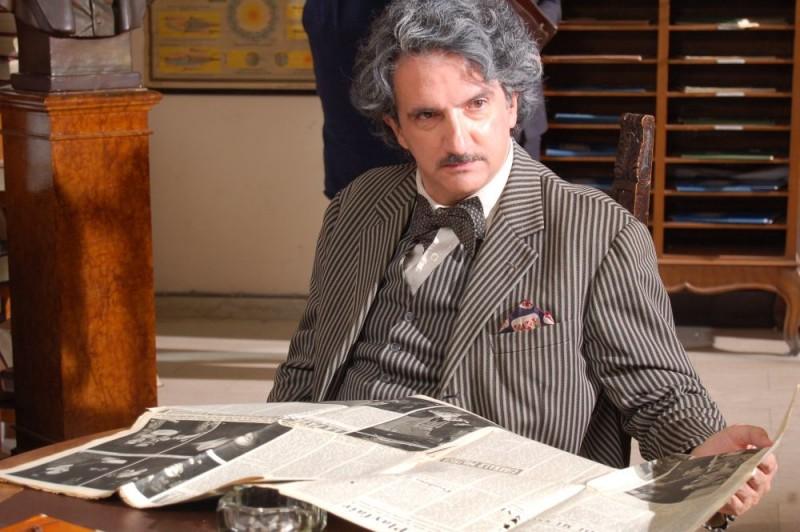 Giovanni Argante in una scena del film Quell'estate felice