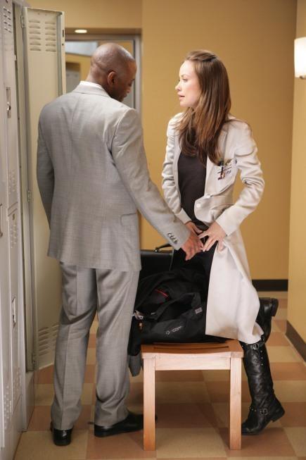Omar Epps e Olivia Wilde in una scena tratta da Unfaithful di Dr. House: Medical Division