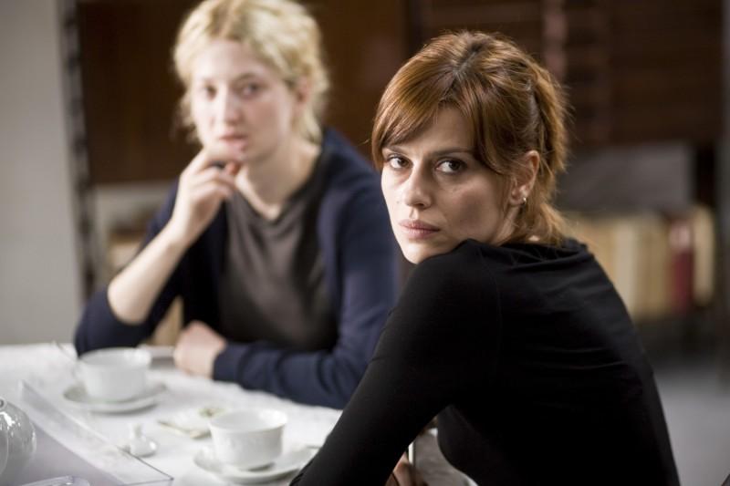 Claudia Pandolfi in un'immagine del film Due partite, diretto da Enzo Monteleone