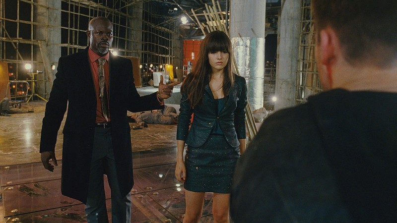Djimon Hounsou e Camilla Belle in un'immagine del film Push