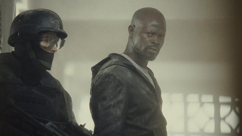 Djimon Hounsou in una scena del film Push