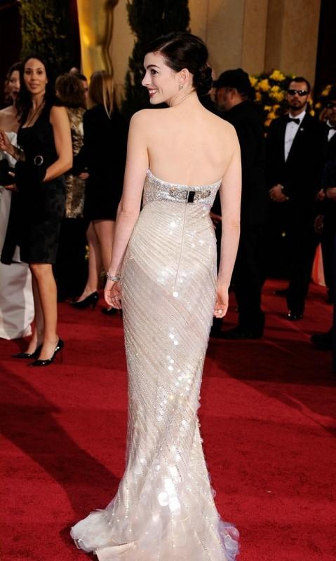 Anne Hathaway sul red carpet degli Oscar 2009