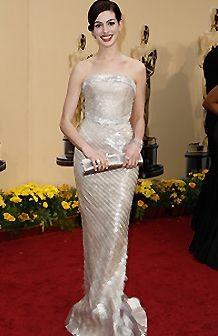 Anne Hathaway sul tappeto rosso degli Oscar 2009