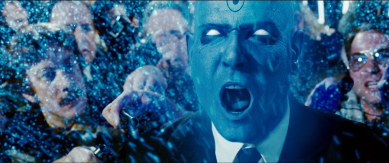 Billy Crudup in una scena del film Watchmen, tratto dalla celebre graphic novel di Alan Moore