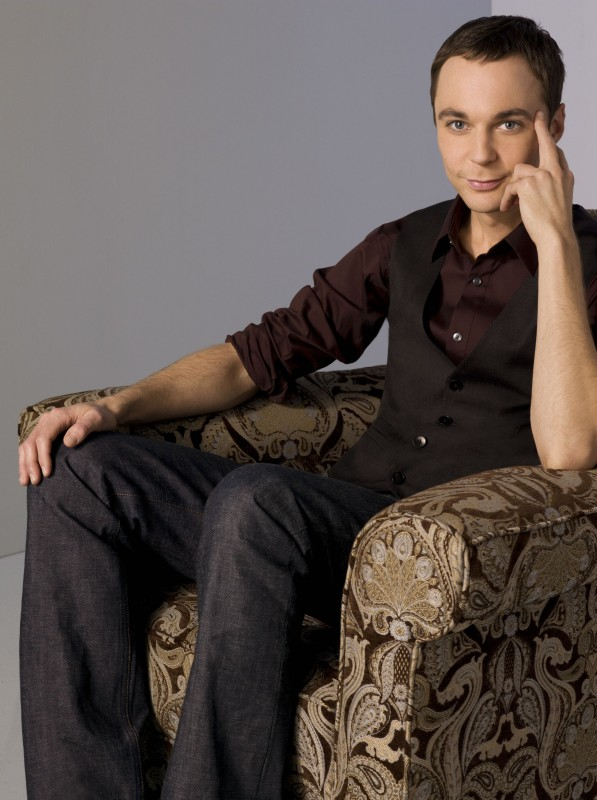 Jim Parsons in una foto promozionale di The Big Bang Theory