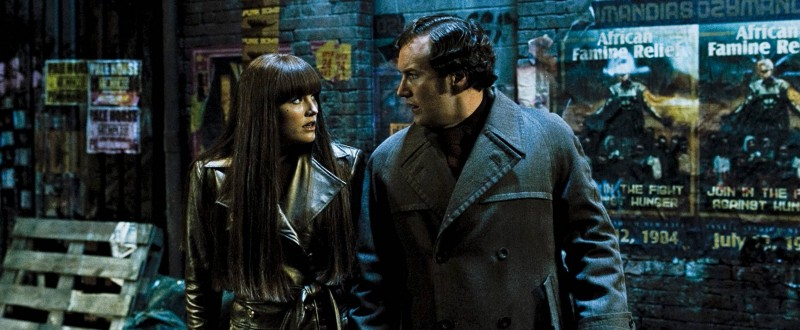 Malin Akerman e Patrick Wilson in un'immagine del film Watchmen
