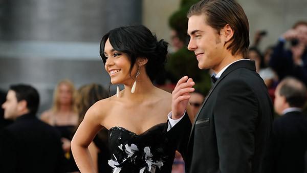 Vanessa Hudgens e Zac Efron sul tappeto rosso degli Oscar 2009