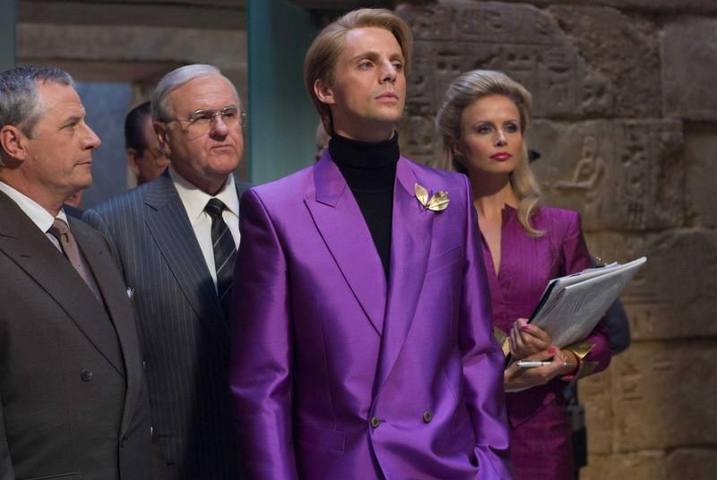 Walter Addison, Matthew Goode e Sonya Salomaa in una scena del film Watchmen