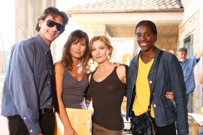 Roberto Farnesi, Vanessa Gravina, Chiara Conti e Fiona May in un'immagine promozionale di Butta la luna 2