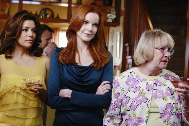 Eva Longoria Parker, Marcia Cross e Kathryn Joosten nell'episodio Crime Doesn't Pay della quinta stagione di Desperate Housewives