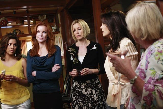 Eva Longoria Parker, Marcia Cross, Felicity Huffman e Teri Hatcher nell'episodio Crime Doesn't Pay della quinta stagione di Desperate Housewives