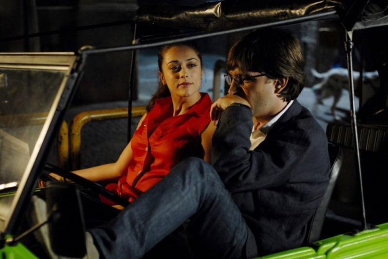 Valentina Lodovini e Libero De Rienzo in un'immagine del film Fortapàsc