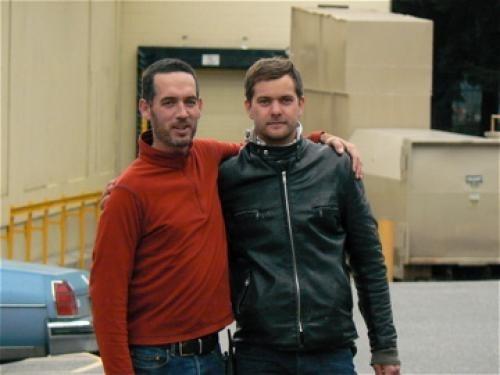 Il regista Michael McGowan e Joshua Jackson  sul set di One Week