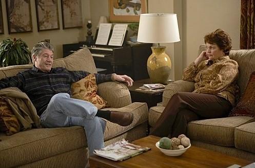 Fred Ward e Pamela Reed nei panni dei genitori di Tara
