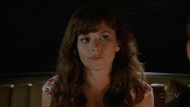 Anna Friel  in un momento dell'episodio 'Il Tarassaco' della serie tv Pushing Daisies