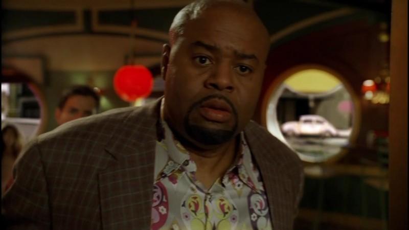 Chi McBride in un momento dell'episodio 'Il Piccione' della prima stagione di Pushing Daisies