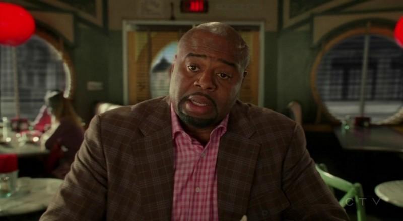 Chi McBride nell'episodio 'Il super cane' della serie tv Pushing Daisies