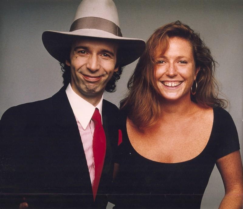 La costumista Francesca Livia Sartori accanto a Roberto Benigni sul set di Johnny Stecchino.
